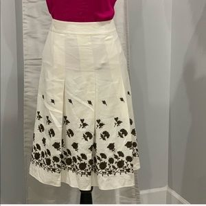 Ann Taylor pleated skirt with floral detail size 6